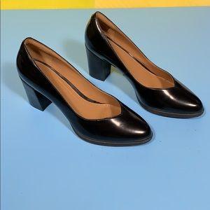 Clarks Artisan Black Shiny Heels 7.5